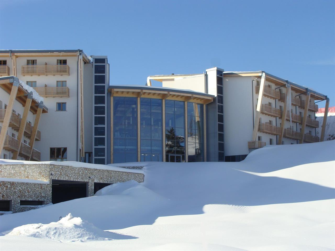 le blanc hotel spa hotel in monte bondone trentino italy. Black Bedroom Furniture Sets. Home Design Ideas