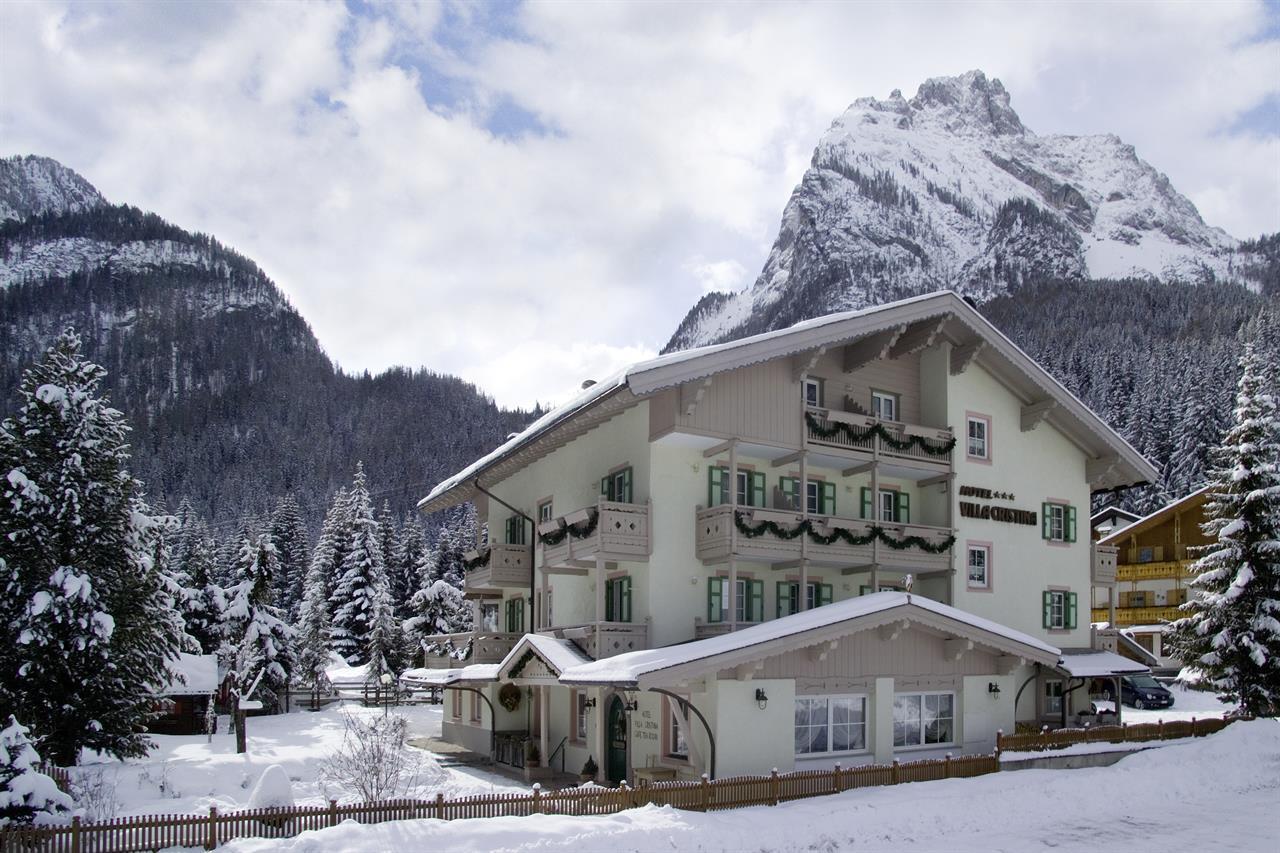 Alpine boutique villa cristina hotel in canazei for Boutique hotel dolomiten